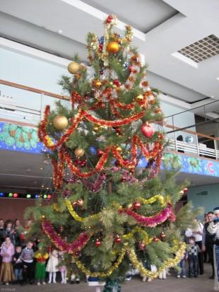 Новогодняя елка ДК Эльта