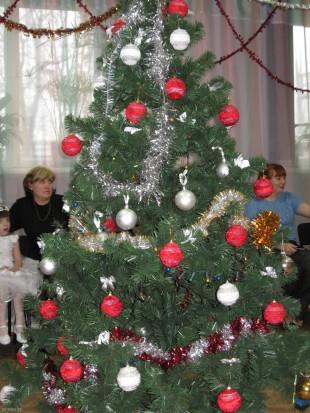 Новогодняя ёлка в актовом зале Елецкого филиала РосНОУ