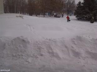 ee-anomalnyj-snegopad-03-2013-14