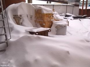 ee-anomalnyj-snegopad-03-2013-16