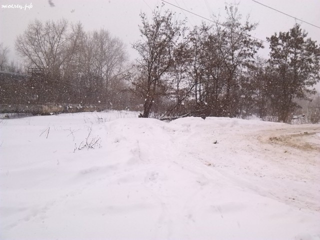 ee-anomalnyj-snegopad-03-2013-17