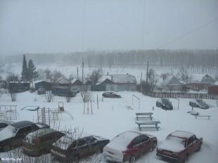 ee-anomalnyj-snegopad-03-2013-3