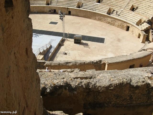 ee-amfiteatr-tunis-2