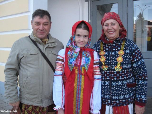 ee-antonovskie-yabloki-2013-1