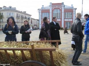 ee-antonovskie-yabloki-2013-17