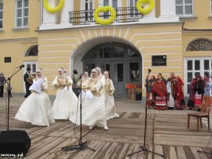ee-antonovskie-yabloki-2013-34