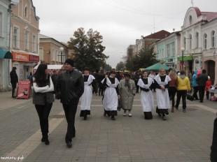 ee-antonovskie-yabloki-2013-56