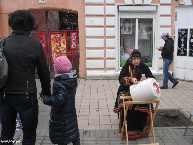 ee-antonovskie-yabloki-2013-59