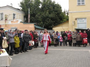 ee-antonovskie-yabloki-2013-64