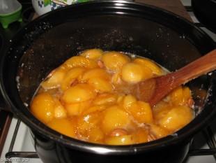 ee-abrikosovoe-varenje-2