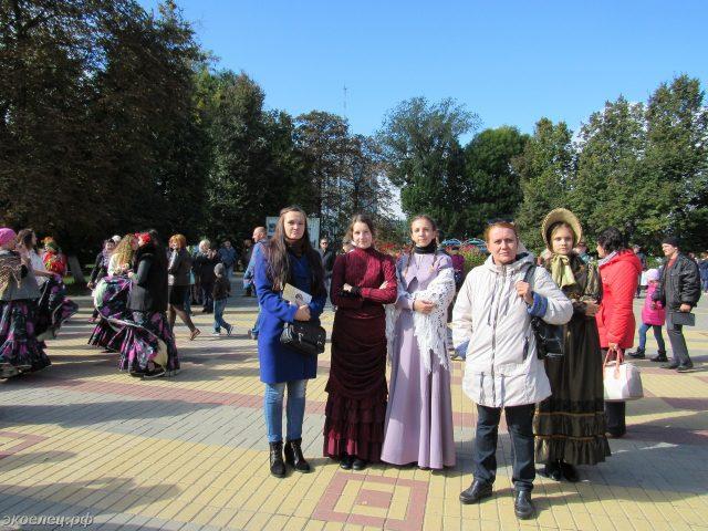 ee-antonovskie-yabloki-2016-09